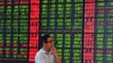 En un mois, la Bourse de Shanghai a chuté de plus de 30%.