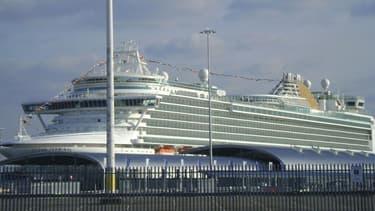 L'Azura est un bateau de croisière appartenant à la société P & O Cruises qui n'est pas poursuivie pour l'instant par la justice française.