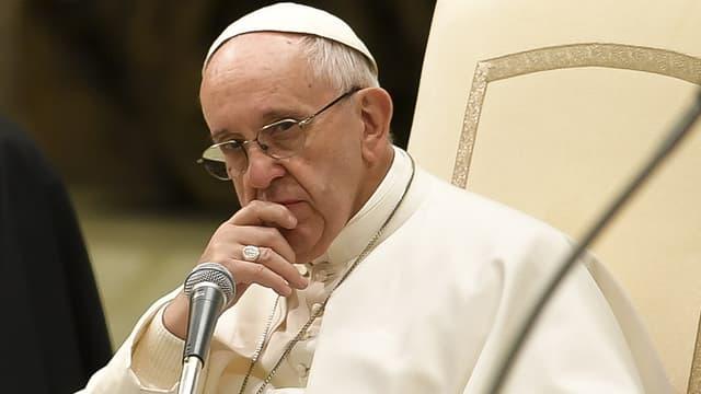Les 34 évêques chiliens ont remis leur démission après le scandale de pédophilie qui éclabousse l'église chilienne.