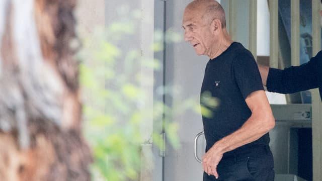 Ehud Olmert à sa sortie de prison, le 2 juillet 2017.