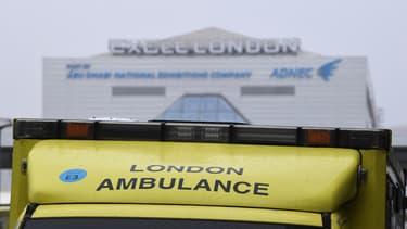 Une ambulance devant un hôpital de Londres, le 1er janvier 2021