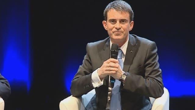Manuel Valls s'est prêté lundi à une séance de questions-réponses avec des élèves de l'agglomération marseillaise.