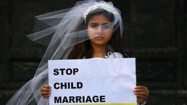 Un happening organisé par Amnesty international pour dénoncer le mariage des enfants, à Rome, le 27 octobre 2016