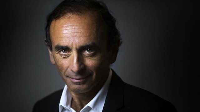 Le polémiste Eric Zemmour, auteur du Suicide français, doit recevoir samedi le prix littéraire Combourg-Chateaubriand.