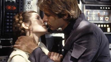"""Carrie Fisher (princesse Léia) et Harrison Ford (Han Solo) dans """"L'empire contre-attaque""""."""