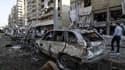 Abords de la mosquée Al-Salam, visée par un attentat à la voiture piégée, ce vendredi à Tripoli dans le nord du Liban.