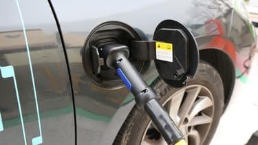 Les constructeurs allemands veulent des bornes de recharge rapide.