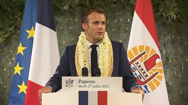 Emmanuel Macron délivre un discours lors d'un déplacement en Polynésie française, le 28 juillet 2021.