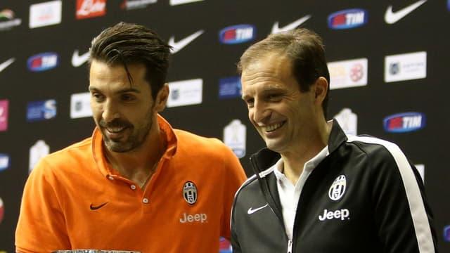 Gianluigi Buffon en compagnie de Massimiliano Allegri.
