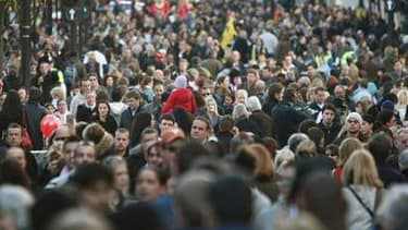 Le moral des consommateurs français s'est dégradé en avril pour le troisième mois consécutif, selon l'enquête mensuelle de conjoncture auprès des ménages publiée par l'Insee. L'indicateur résumé de l'opinion des ménages sur la situation économique a chuté