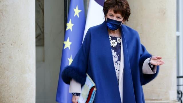 La ministre de la Culture Roselyne Bachelot, à la sortie de l'Elysée le 27 janvier 2021, à Paris