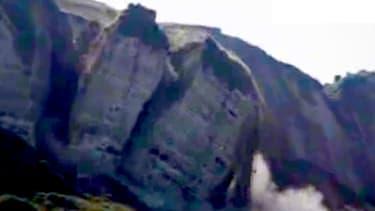 Près de 30.000 tonnes de roches se sont subitement détachés.