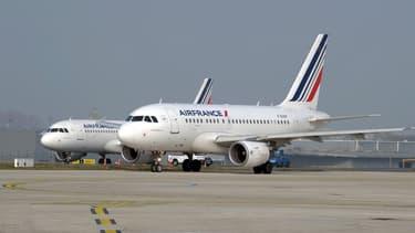 """""""Des mesures de départs volontaires sont prévues pour moins d'un tiers du total"""" des 2.900 suppressions de postes programmées dans le plan """"B"""", pour l'essentiel en 2017"""" a déclaté Alexandre de Juniac, le PDG d'Air France-KLM"""