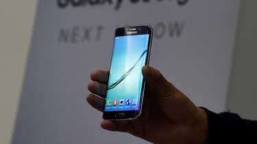 Samsung Pay va permettre aux détenteurs des Galaxy S6 et S6 Edge d'utiliser leur smartphone pour des paiements sans contact