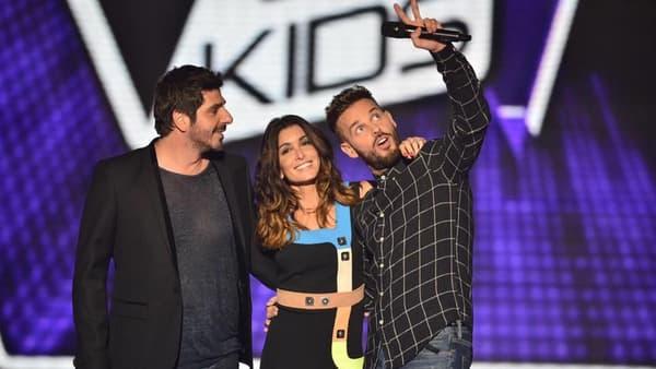 """M. Pokora entouré de Jenifer et Patrick Fiori dans """"The Voice Kids"""""""