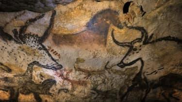 Peintures pariétales dans la grotte de Lascaux, en Dordogne. Cette grotte, fermée au public qui n'a accès qu'à un fac-similé pour éviter sa détérioration, va voyager à travers le monde grâce à une reproduction itinérante qui a été inaugurée vendredi à Bor