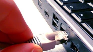 Branchement Ethernet pour accéder, entre autres, à Internet. (Illustration)