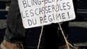 Manifestation à Nantes. Cinq syndicats ont appelé à prolonger la mobilisation contre la réforme des retraites, préférant faire vivre un mouvement social affaibli que d'abandonner la rue avant de nouvelles négociations. /Photo prise le 23 novembre 2010/REU