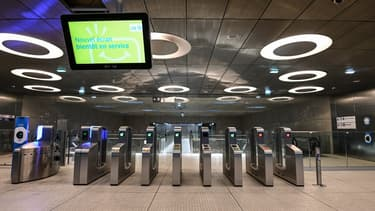 """L'intérieur de la station de la ligne 14 """"Mairie de Saint-Ouen"""""""