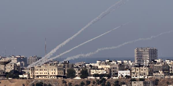 Les traces de roquettes tirées de la bande de Gaza vers Israël, en novembre 2012.