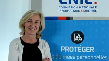 """Face à l'intelligence artificielle, """"comment permettre à l'homme de garder la main?"""". C'est le titre du rapport qui a été dévoilée par Isabelle Falque-Pierrotin, présidente de la Cnil."""