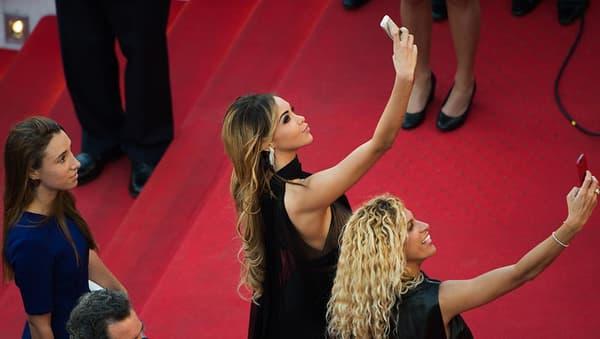 Nabilla au festival de Cannes en 2014.