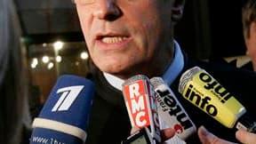 L'avocat Jean-Yves Le Borgne, représentant de l'ancien chef de cabinet de Jacques Chirac à la mairie de Paris, Rémy Chardon, a déposé des questions de constitutionnalité, une procédure susceptible de renvoyer le procès des emplois fictifs présumés de la m