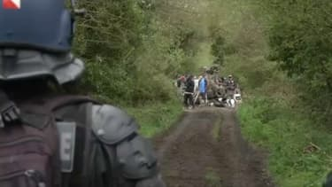 Charge massive des gendarmes ce mercredi après-midi pour repousser les zadistes et leurs soutiens.