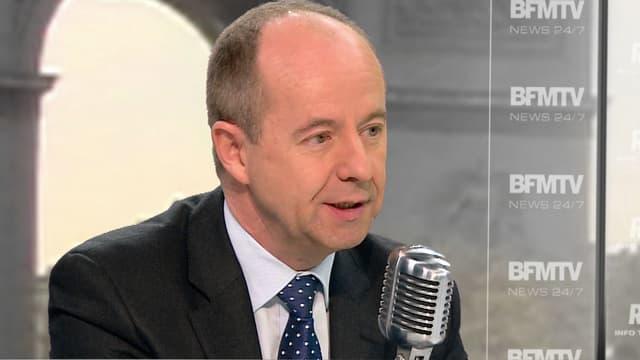 Le député PS Jean-Jacques Urvoas, rapporteur du projet de loi sur le renseignement, mardi matin sur BFMTV et RMC.