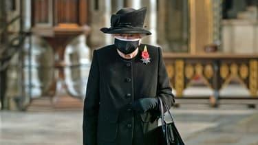 La reine Elizabeth II le 7 novembre lors d'un hommage au soldat inconnu à Westminster