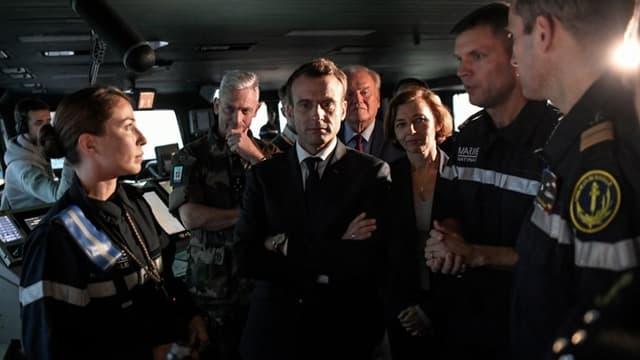 Emmanuel Macron, sur le Charles de Gaulle, quelques instants avant son intervention télévisée.