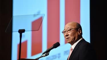 """Le PDG de Nintendo, Tatsumi Kimishima, a jeté un froid lors d'une conférence d'analystes en indiquant que la première """"appli"""" pour mobile ne serait disponible qu'en mars 2016 au lieu de décembre 2015."""