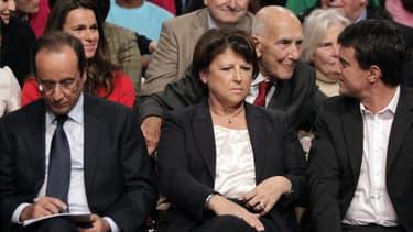 François Hollande serait largement devancé par Martine Aubry et Manuel Valls si une nouvelle primaire à gauche se tenait en vue de 2017.