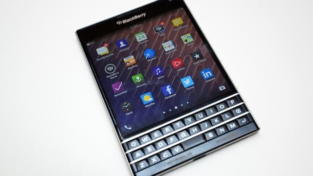 BlackBerry cherche a reconquérir la clientèle professionnelle avec son modèle Passport.