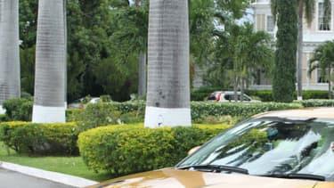 Usain Bolt a reçu cette Nissan GT-R dorée en 2012. Il en possède également une noire.