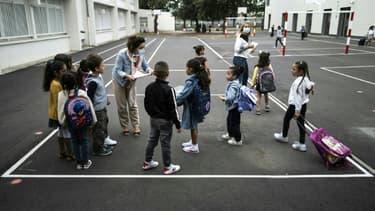 Scène dans une école primaire à Toulouse le 1er septembre 2020