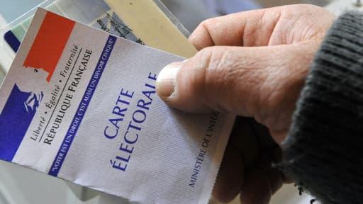 La participation à midi au second tour des élections municipales dimanche s'établit à 15,29%.