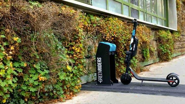 Une flotte de trottinettes électriques avec bornes de recharge et application dédiée aux salariés, c'est ce que propose Pat'Com avec son offre Green Riders.