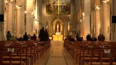 Église à Paris décembre 2020 - Image d'illustration
