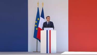 Macron aux Invalides, lors de l'hommage aux deux commandos marines tués au Burkina Faso