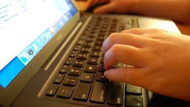Trois employés d'un restaurant ont été licenciés après avoir créé une page Facebook dirigée contre leur employeur.