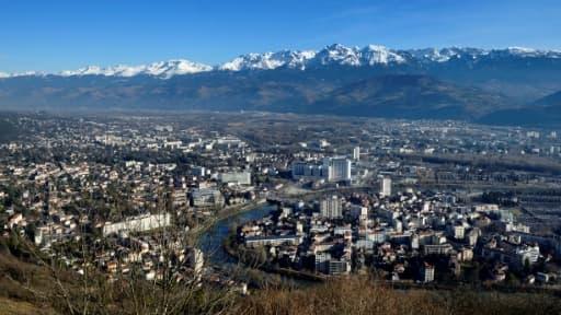 """""""La soixantaine de migrants, hébergée depuis le 5 décembre dernier à titre transitoire, restera dans les locaux provisoirement inoccupés de l'Université Grenoble Alpes durant les congés de fin d'année"""", explique l'université"""