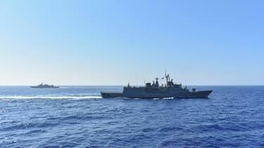 Photo diffusée le 26 août 2020 par le ministère grec de la Défense de navires grecs participant à des manœuvres en Méditerranée (Photo d'illustration)
