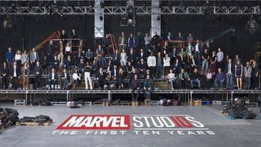 80 acteurs et réalisateurs réunis sur une photo pour les 10 ans de Marvel