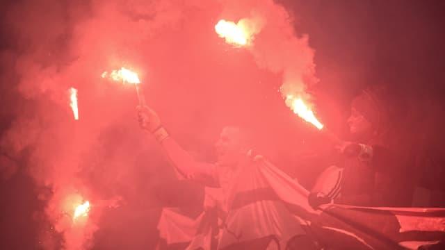 Des fumigènes lors du match OL-OM