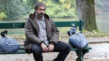 Gustave Kervern dans la comédie Dans la cour (2014)