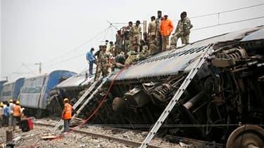 Des rebelles maoïstes, selon un responsable de la police, ont provoqué la mort d'au moins 65 personnes dans l'est de l'Inde en faisant dérailler un train à grande vitesse, qui a été percuté par un train de marchandises venant en sens inverse. /Photo prise