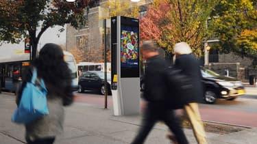 Les kiosques wi-fi public de New-York vont arborer 2 écrans de 140 cm sur lequel seront affichées des publicités pour financer la gratuité du service.
