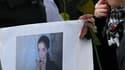 Environ 200 personnes ont participé lundi à une marche silencieuse à Saint-Brévin-les-Pins (Loire-Atlantique) en mémoire de Laëtitia, une jeune femme de 18 ans disparue depuis six jours à Pornic. /Photo prise le 24 janvier 2011/REUTERS/Stéphane Mahé