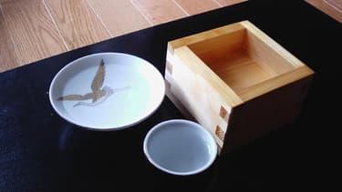 Un sakazuki en porcelaine. Ce qui attend probablement les futurs centenaires japonais